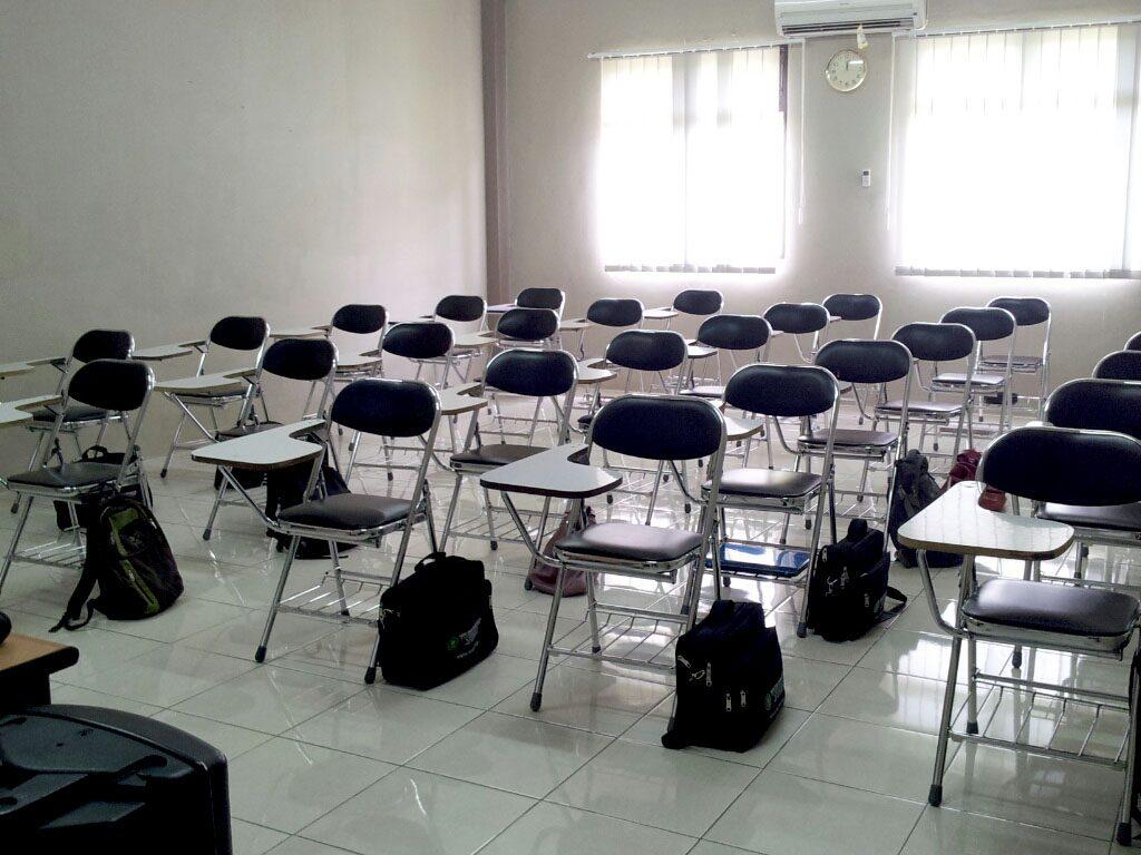 ruang kuliah 2